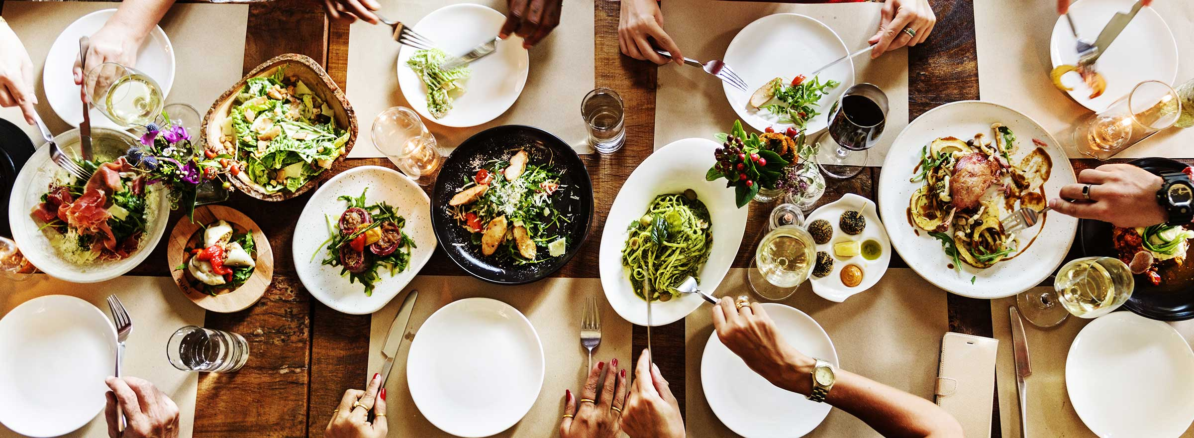 How to Host a Collaborative Chef Dinner