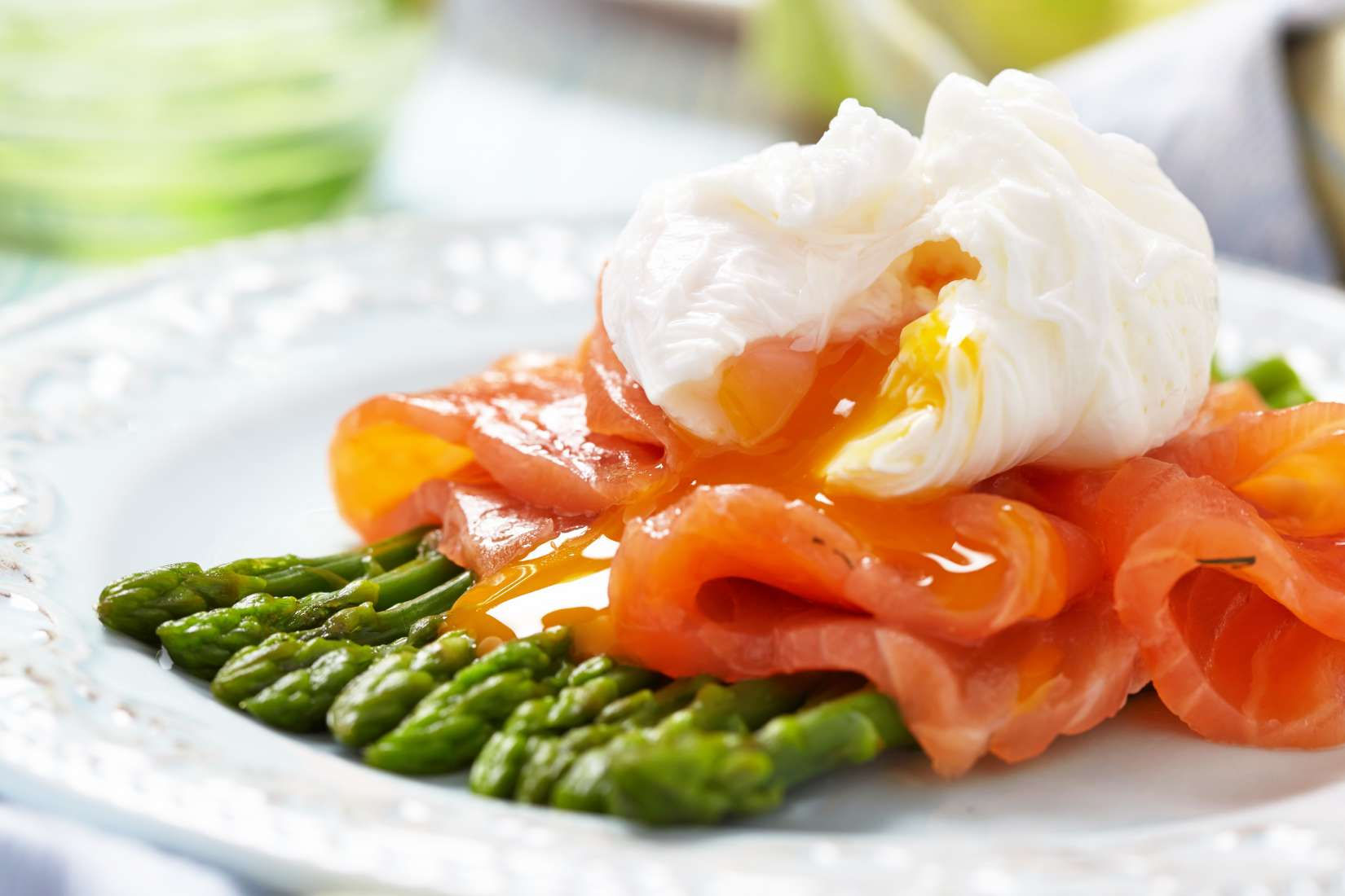 smoked salmon and poached egg on asparagus