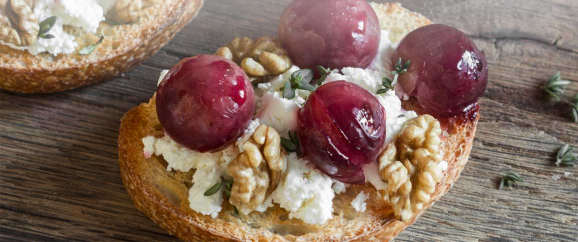 Grape and Ricotta Bruschetta with Walnuts